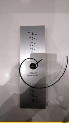 This Fibonacci clock - RandomOverload Unusual Clocks, Cool Clocks, Fibonacci Spiral, Modern Clock, Wall Clock Design, Clock Art, Sundial, Cool Inventions, Novelty Gifts
