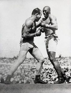 Jack Johnson was the first African American world heavyweight boxing champion Latissimus Training, Karate, Jack Johnson Boxer, Boxing Images, Heavyweight Boxing, Boxing History, Champions Of The World, Boxing Champions, Combat Sport