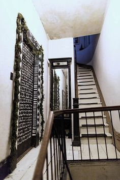 /\ /\ . John Derian's home