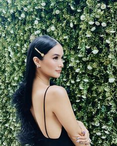 """Romanced by these diamond-encrusted earrings from 😍💫 I had to include them in my look for tonight's festivities. Filipina Actress, Filipina Beauty, Heart Evangelista Style, Celebrity Style Casual, Celeb Style, Christmas Party Hairstyles, Target Style, Asian Hair, Classy And Fabulous"