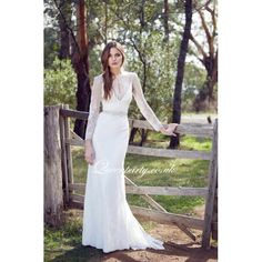 2015 Lace Designer Long Sleeves Wedding Dress With Cut Out Bodice