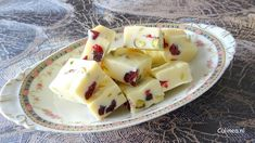 Witte chocolade fudge met pistache en cranberries
