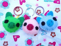 Pig Keychains - Your Choice Color, Animal Keychain, Party Favors, Felt Animal, Key Ring, Cell Phone Charm, Dust Plug, Stocking Stuffer