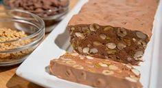 נוגט שוקולד ותערובת אגוזים