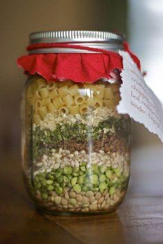 Mason Jar Meals, Mason Jar Gifts, Meals In A Jar, Mason Jars, Gift Jars, Mason Jar Recipes, Soup In A Jar, Soup Recipes, Cooking Recipes