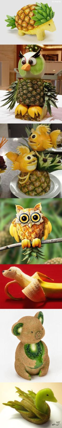 now that's a crafty food recipe! - 15 of the Best Edible Sculptures (best fruit recipes) Cute Food, Good Food, Yummy Food, Healthy Food, Fruits Decoration, Fruit Animals, Fruit Creations, Food Sculpture, Fruit Sculptures