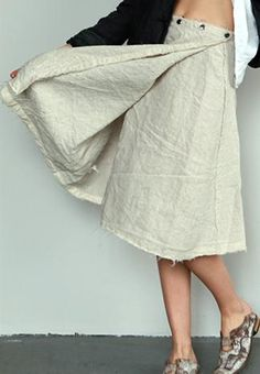 pipsqueak chapeau - snap linen skirt--would be great to make it adjustable