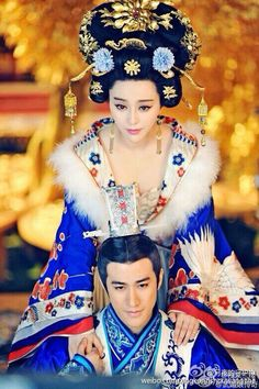 Ancient Chinese fashion Hanfu:traditional Chinese costume. Fan Bingbing in 'Empress of China'.