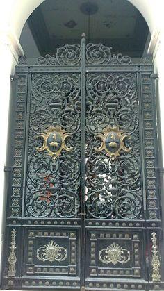 Ecléctica Buenos Aires: Puertas y algo más.