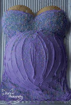 purple dress baby bump cake =]