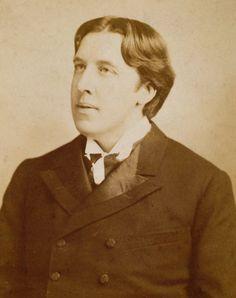 Oscar Wilde Carte de visite of Oscar Wilde. Photographed by W & D Downey London Late 1880s Museum no. PH.889-1956