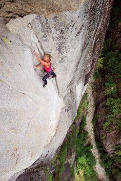 www.boulderingonline.pl Rock climbing and bouldering pictures and news New Directions: The
