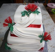 Kiwiana wedding cake - First go at drapes & pohutukawa flowers