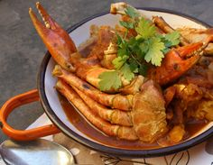 A delicious curry with sweet crab. Curry Recipes, Seafood Recipes, My Favorite Food, Favorite Recipes, Gluten Free Chilli, Dinner Is Served, Garam Masala, Food Photo, I Foods