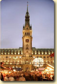 The Hamburg Christmas Market the biggest Christmas Market in Hamburg is located here on the Rathausmarkt. 24th Nov – 23rd Dec 2014 daily 11 am – 9 pm, Fri + Sat to 10 pm