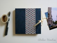 Album  photo carré. Album accordéon. Leporello. Instagram. Polaroid. Papier japonais. Motif graphique bleu. de la boutique AtelierHimitsu sur Etsy