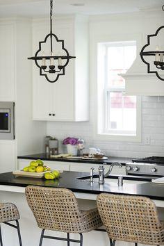 Off-white Kitchen New Off-white Kitchen with black accents New Off-white Kitchen Design Ideas Off-white Kitchen with black accents Off-white Kitchen #OffwhiteKitchen