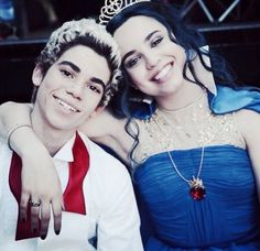 This picture is so sweet. #carlos #evie #descendants: