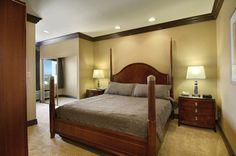 Gold Coast Hotel & Casino - Deluxe Suites | Executive Suite | GoldCoastCasino.com
