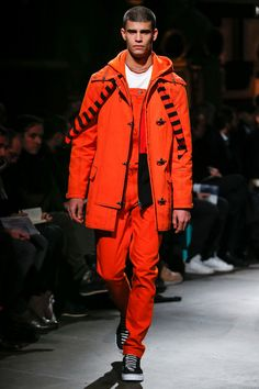 See the complete Givenchy Fall 2017 Menswear collection.