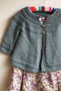 """Cardigan """"Swing Thing"""" (ravelry pattern) version Carambouilles pinned with Pinvolve - pinvolve.co"""