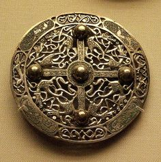 9c silver disc brooch, late Anglo-Saxon.
