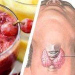 Drink This Juice To Lose Weight, Regulate Your Thyroid & Fight Inflammation - The Healthy Healthy Foods To Eat, Healthy Eating, Healthy Recipes, Healthy Tips, Acupuncture Benefits, Weight Loss Juice, Blood Sugar Levels, Juice Diet, Folic Acid