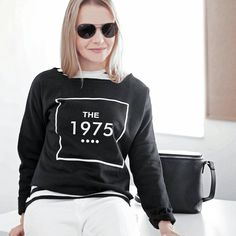"""166 Likes, 4 Comments - Gabriella Buzas (@epicstreetstyle) on Instagram: """"Crazy days, guys 😨😕😩😵😂 looking forward to Christmas... who's with me? . ."""" outfit ootd ootn outfitinspo ideas minimal style black and white stripes 1975 sweatshirt white jeans ray-ban nakedvice perspective bag"""
