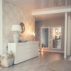 Schlafzimmer Schlafzimmer The post Schlafzimmer appeared first on Tapeten ideen. Source by The post Schlafzimmer Schlafzimmer The post Schlafzimmer appeared first on Tapeten idee… appeared first on Swor. Home Interior, Living Room Interior, Living Room Decor, Bedroom Decor, Interior Design, Bedroom Ideas, Large Bedroom, My New Room, Home And Living