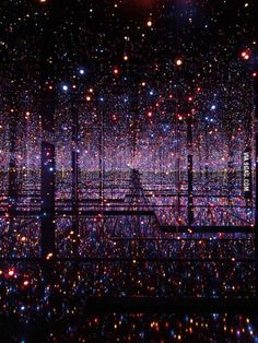Infinity Mirror Room
