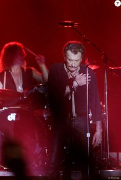 Exclusif - Johnny Hallyday en concert au Vélodrome à Arcachon, où 8500 personnes sont venues l'acclamer. Le 19 juillet 2016 © Patrick…