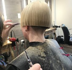 Picture of my daily bob-trim by mistress Short Hair Dont Care, Short Hair Cuts, Short Hair Styles, One Length Bobs, One Length Hair, Shaved Bob, Shaved Nape, Bowl Cut Hair, Cut My Hair