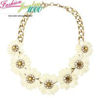 New Brand Vintage Beige Daisy Flower Rhinestone Collar Necklace Fashion Floral Chunky Statement Choker Charm Jewelry Women Party
