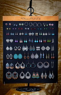 These earring display ideas will ensure your earrings get noticed at craft fairs. Cute, clever, inexpensive and unique ways to display earrings. Buy or DIY Jewellery Storage, Jewellery Display, Jewelry Organization, Jewellery Stand, Craft Fair Displays, Display Ideas, Market Displays, Earring Display, Earring Tree