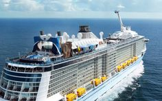 Hasta 7 barcos de Royal Caribbean estarán posicionados en Europa durante la temporada estival de 2022. Estos son los detalles que más nos han llamado la atención. Royal Caribbean, Southampton, Santorini, Limassol, Opera House, Building, Travel, Lisbon, Cruises
