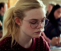 Elle Fanning, Zoe Jackson, Fan Gif, All The Bright Places, Portrait Photography Poses, Cute Girl Face, Female Actresses, Golden Girls, Photos Of Women