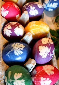 http://rock-owl.blogspot.de/2014/04/strumpfhosen-petersilie-und-ostereier.html Ostereier dekorieren bemalen verzieren Easter Eggs