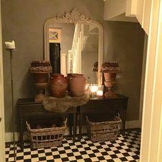 Wat leuk dat ik door Benita van De Wemelaer ben gevraagd om wat foto' s van ons huis te laten zien! Ik geniet zelf altijd erg van de binnenkijkers op haar site. Ik zal me even voorstellen: ik ben Lianne…