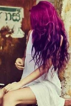 Im sure this is photoshopped, but idc. Purple Ombre Hair - LOVE LOVE LOVE