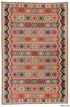 Vintage Pirot kilim handwoven in 1960's. Pirot refers to kilims woven in Pirot, a town in Serbia.