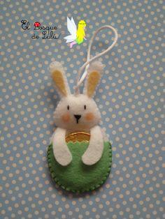 Conejo+de+Pascua+con+chocolatina.png (389×518)