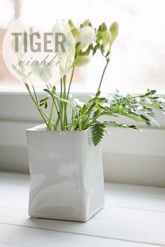 Via Esmeralda Blog | Tiger Wrinkled Vase
