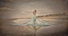 Alice Andrews Designs Model: Erin Leigh Pribyl Photo: Tina Botzenhardt