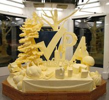 Pennsylvania Farm Show, 2013 | Harrisburg, PA | Butter sculpture | Marie Pelton and Jim Victor