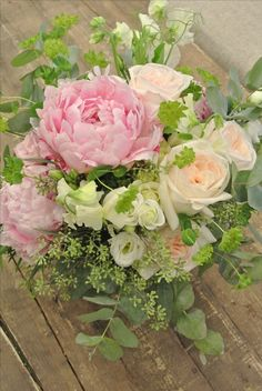 Peony and roses bridal bouquet