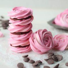 21 #Dessert #Recipes for a #PrettyinPink Galentine's Day - cute, achievable treat ideas!