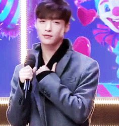 EXO Lay/Yixing (gif) somehow this simple gesture is sexy