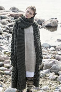 Neulottu kaulaliina Novita Isoveli | Novita knits
