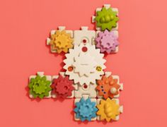 Best #holiday #toys for babies and toddlers: Plan Toys' Gears & Puzzles set