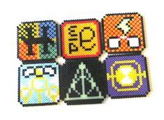 Easy Perler Bead Patterns, Melty Bead Patterns, Perler Bead Templates, Hama Beads Coasters, Diy Perler Beads, Perler Bead Art, Harry Potter Perler Beads, Pearl Beads Pattern, Peler Beads